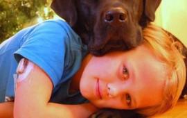 su-adorable-perro-se-porta-como-un-heroe-y-salva-la-vida-de-su-hijo