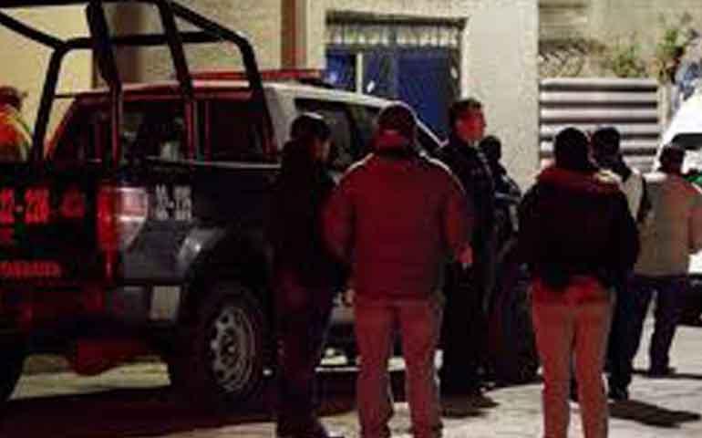 sujeto-asesina-a-esposa-e-hijos-y-se-suicida-en-ecatepec