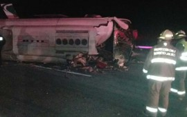 autobus-vuelca-en-la-autopista-tepic-guadalajara-deja-28-heridos
