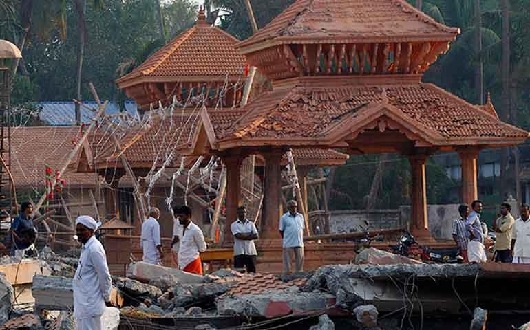 caen-7-personas-por-incendio-de-templo-en-india