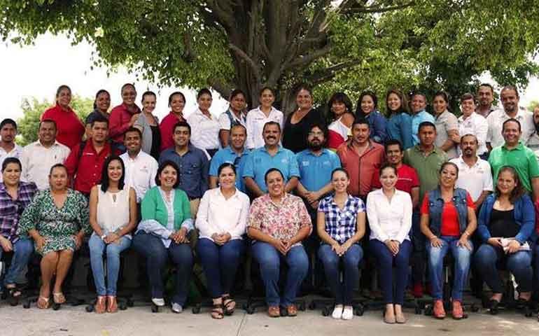 celebra-el-icaten-su-17-aniversario