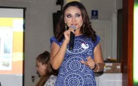 de-mujer-a-mujer-conferencia-con-ely-figueroa16