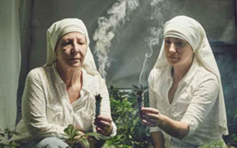 dos-monjas-cultivan-y-venden-marihuana-para-curar-al-mundo