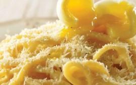 espagueti-con-huevo-de-codorniz-y-parmesano-2