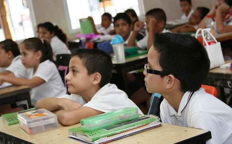 estudiantes-nayaritas-regresan-a-las-aulas