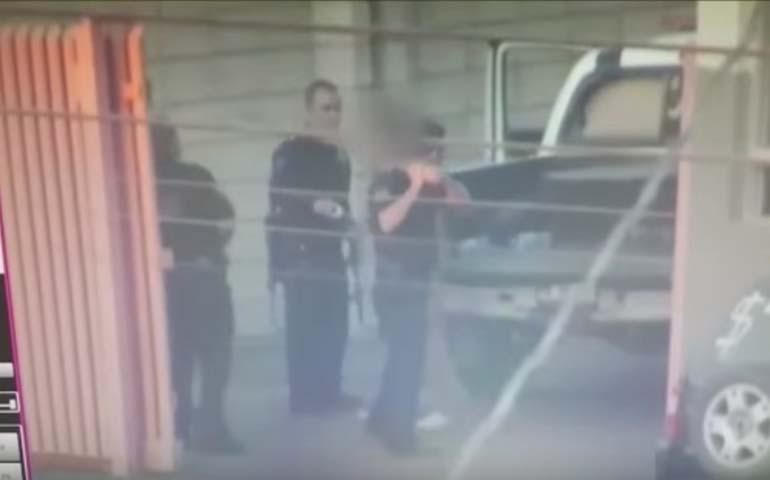 policias-de-hermosillo-dan-paliza-a-detenido-esposado