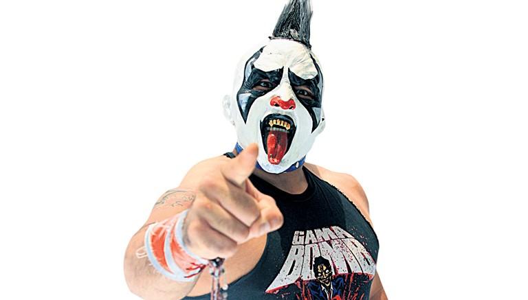 psycho-clown-quiere-la-mascara-de-dr-wagner-jr