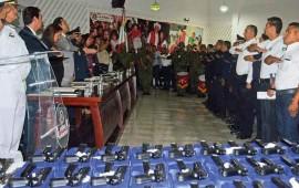 se-realizo-la-entrega-de-armamento-de-policias-municipales