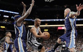 spurs-arranca-playoffs-con-aplastante-victoria