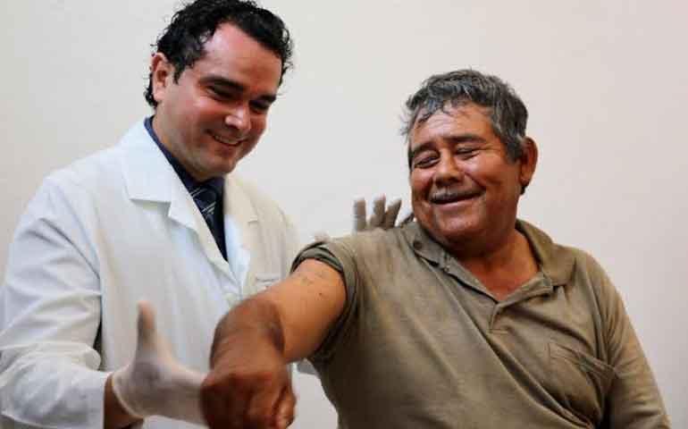 beneficia-dif-badeba-a-24-pacientes-con-la-aplicacion-de-la-toxina-botulinica-tipo-a