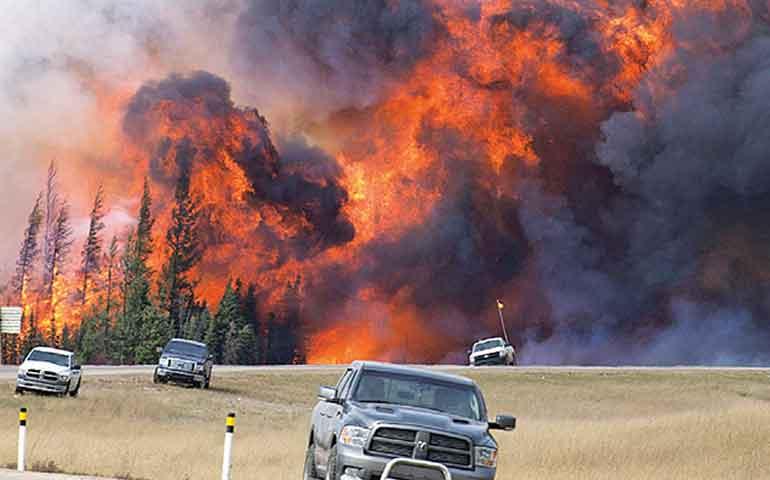 canada-es-afectado-por-fuerte-incendio