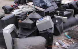 en-la-uan-se-investiga-sobre-las-practicas-de-desecho-de-electrodomesticos