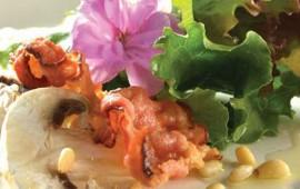 ensalada-de-tocino-y-pinones-con-vinagreta-de-mostaza