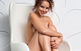 ex-de-david-bisbal-se-desnuda-a-sus-40-por-10-mil-euros