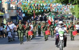 historico-desfile-en-san-juan-de-abajo-encabezado-por-el-ejercito-mexicano