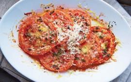 jitomate-rostizado-con-parmesano-y-albahaca