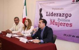 jorge-richardi-preside-el-inicio-del-diplomado-liderazgo-politico-de-las-mujeres1
