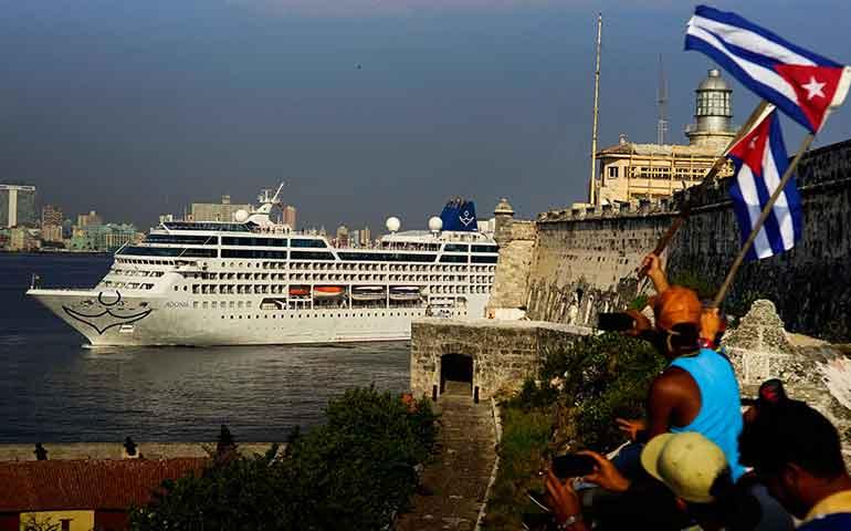 llega-a-cuba-el-primer-crucero-proveniente-de-eu-en-mas-de-50-anos