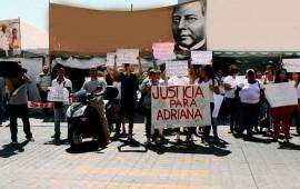 mujeres-y-hombres-marchan-para-exigir-justicia-para-adriana