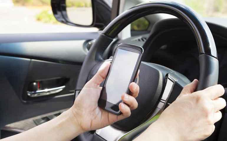multas-por-conducir-utilizando-el-celular-arrancan-el-15-de-junio