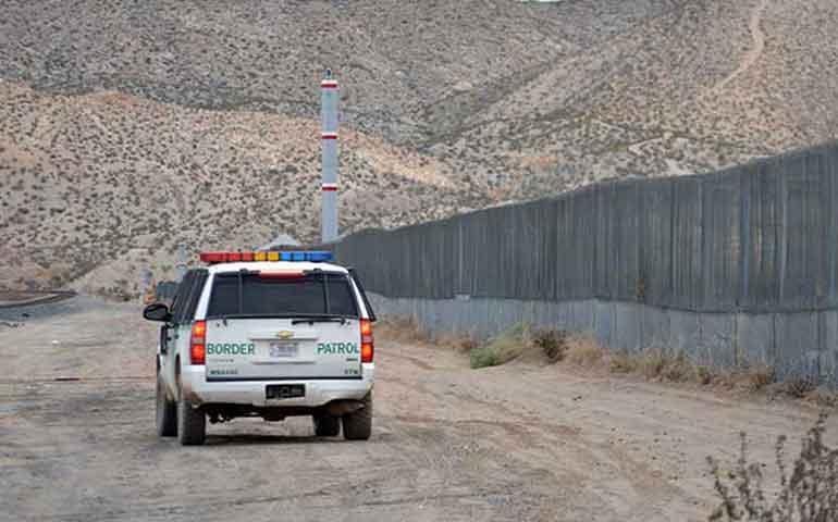 polleros-abandonan-a-bebe-en-frontera-de-mexico-y-eu