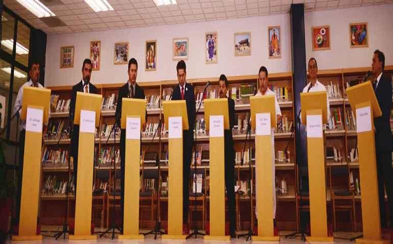se-realiza-debate-entre-candidatos-a-rector-de-la-uan