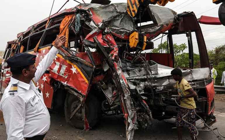 accidente-de-transito-en-india-deja-17-muertos-y-33-heridos