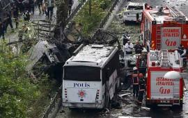 atentado-contra-policias-deja-al-menos-11-muertos-en-turquia