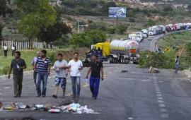 cnte-bloquea-carreteras-en-oaxaca-michoacan-chiapas-y-acapulco