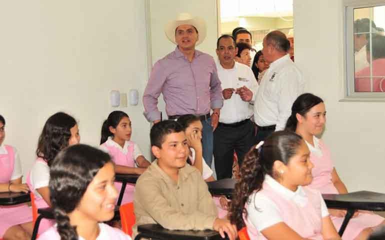 inaugura-roberto-seis-aulas-didacticas-equipadas