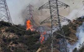 incendio-en-california-se-torna-fuera-de-control