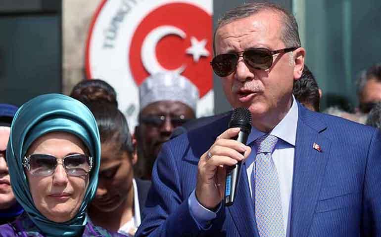 las-mujeres-sin-hijos-son-mitad-personas-dice-presidente-de-turquia
