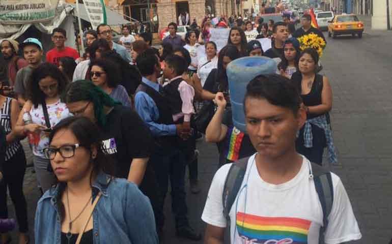marchan-en-contra-de-la-discriminacion-gay-en-tepic