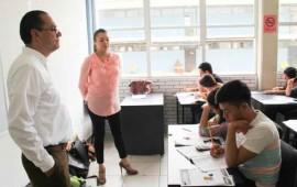 nacho-pena-recorre-las-sedes-de-examen-de-admision-uan