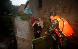china-sufre-por-inundaciones-van-casi-130-muertos