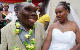 el-hombre-mas-feo-de-uganda-es-todo-un-semental-tiene-8-hijos