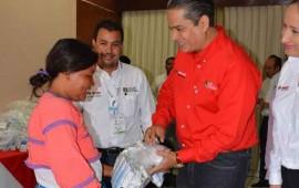 entregan-becas-a-auxiliares-de-salud-del-municipio-el-nayar