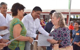 gobierno-entrega-viviendas-y-escrituras-en-nayarit