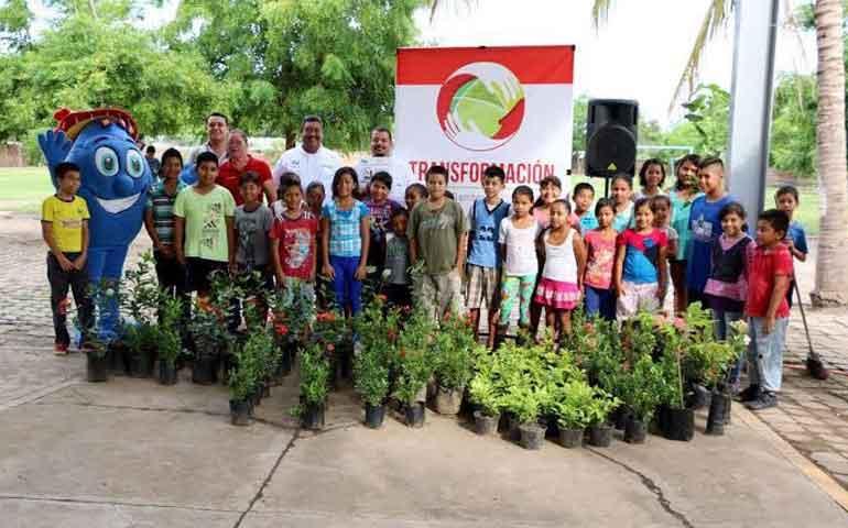 inicia-el-programa-planta-riega-cuida-en-bahia-de-banderas