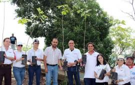 nissan-tepic-reforesta-el-cerro-de-la-cruz1