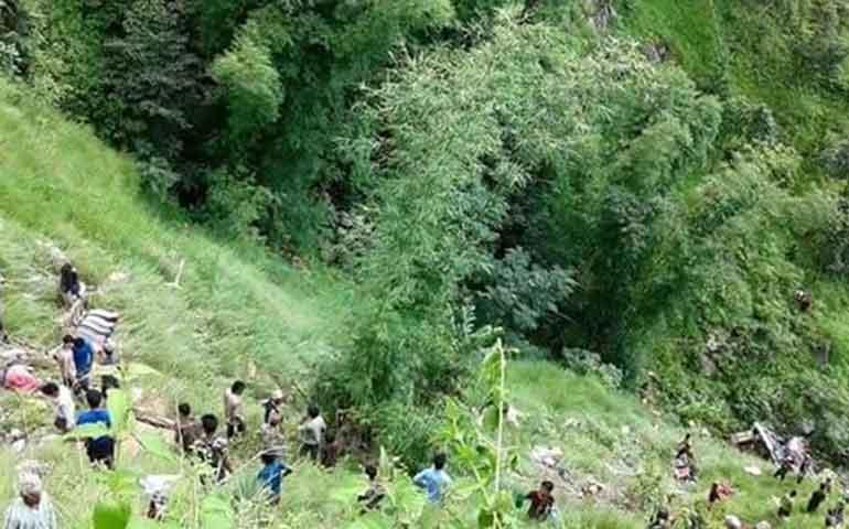 accidente-de-autobus-en-nepal-deja-al-menos-31-muertos