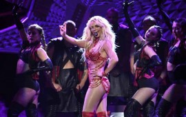 britney-spears-cantara-en-los-mtv-video-music-awards