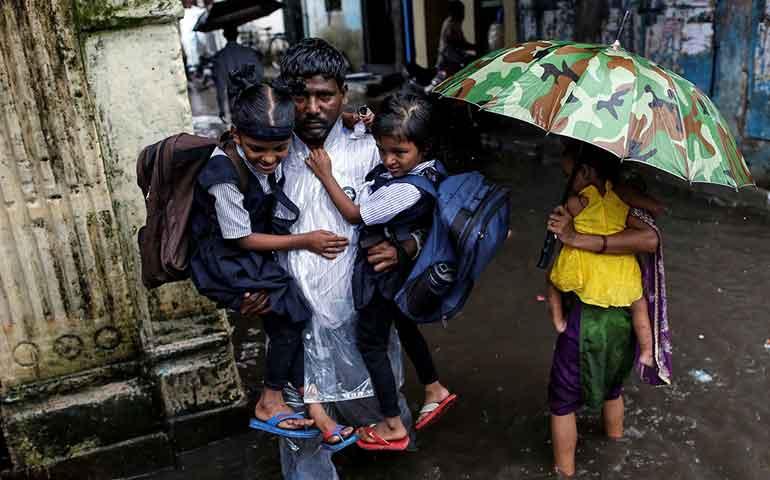 casi-100-muertos-en-india-por-inundaciones