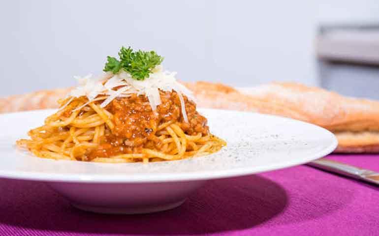 espaguetis-en-salsa-bolonesa