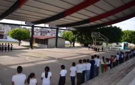 gestiona-roberto-recursos-de-mil-millones-pesos-para-infraestructura-educativa