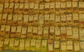 hallan-4-5-millon-de-pesos-escondidos-en-un-sillon