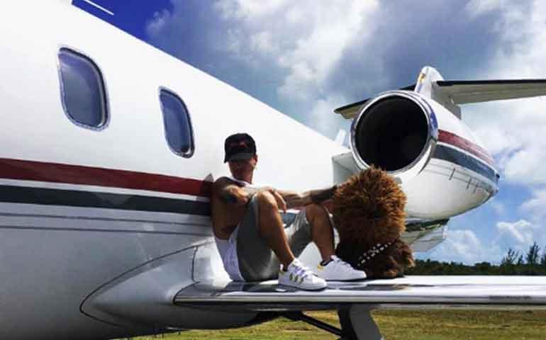 j-balvin-resulta-ileso-tras-accidente-aereo-en-bahamas