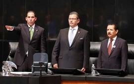 pablo-escudero-rinde-protesta-como-presidente-del-senado