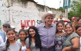 roberto-da-inicio-a-la-construccion-de-nuevas-calles-en-tecuala