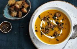 sopa-de-calabaza-con-cebollin